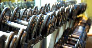Positive Effekte des Krafttrainings: der Körper wird und wirkt gesünder sowie leistungsfähiger